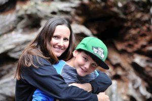 Kinder mit Psoriasis unterstützen