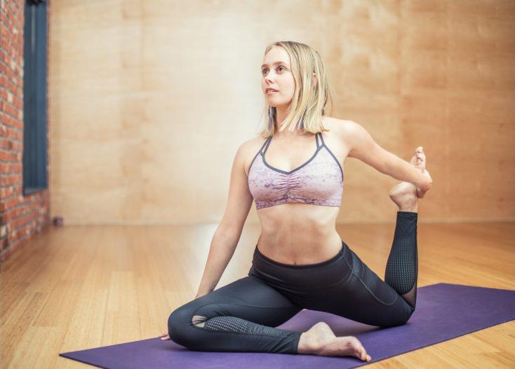 Yoga ist gut zum Stress-Abbau bei Psoriasis
