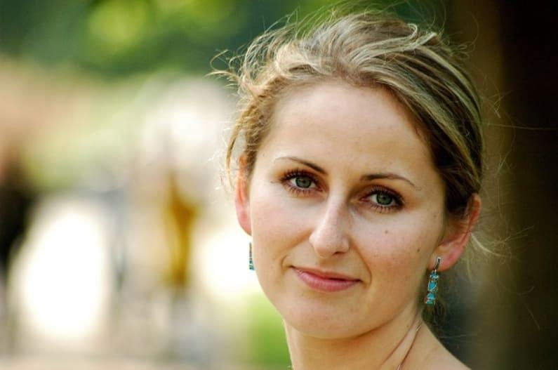 Olga im Interview: Ich habe meine Schuppenflechte lange versteckt