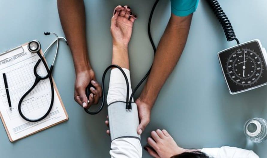 Das Coimbra-Protokoll: Ultrahochdosiertes Vitamin D gegen Schuppenflechte