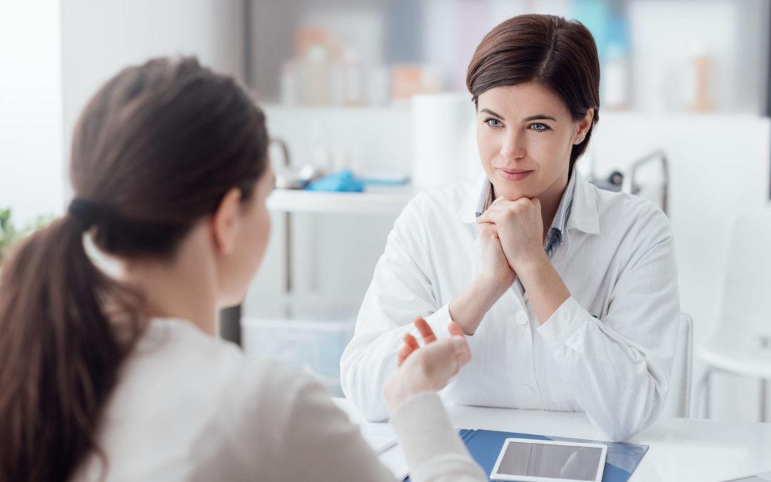 Den richtigen Hautarzt finden & das Arztgespräch gut vorbereiten