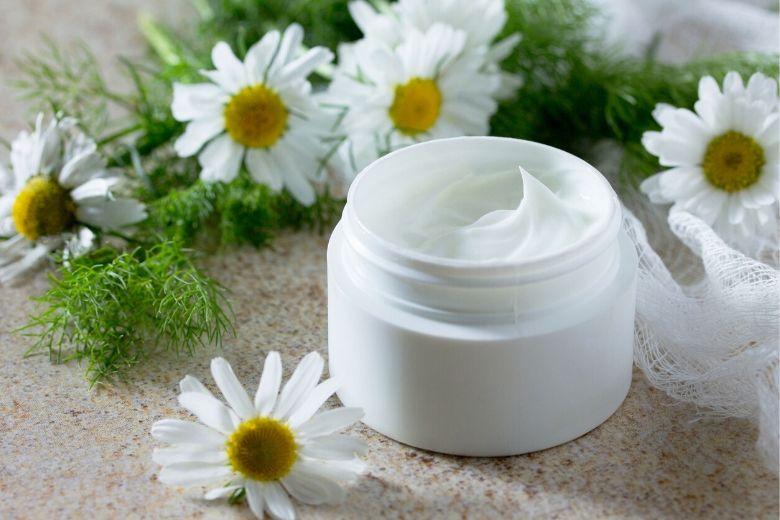 Kamillencreme und Co. – Wie Heilpflanzen deiner Haut helfen