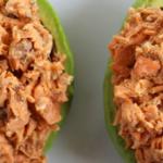 Rezept: Gefüllte Lachs-Avocado-Boote