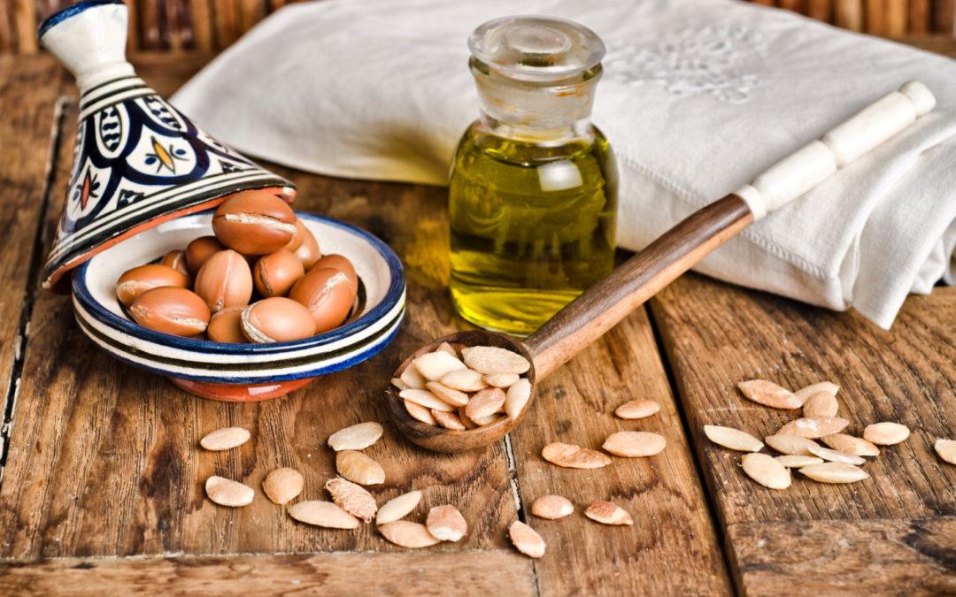 Arganöl bei Schuppenflechte – da kann das wertvolle Öl helfen