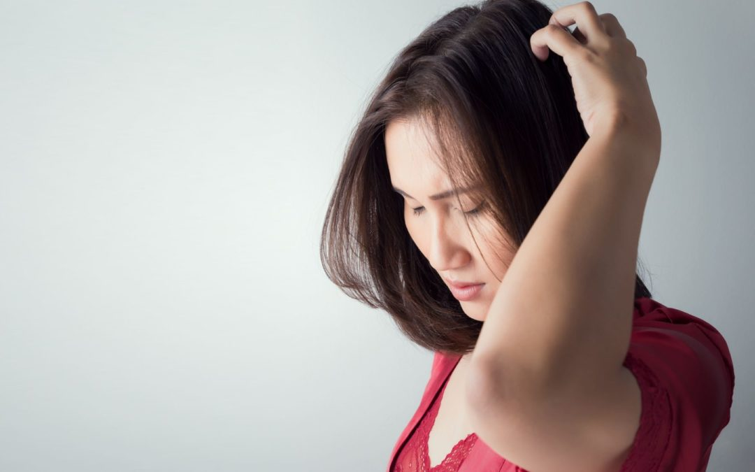 Neurodermitis-auf-der-Kopfhaut-Schuppenflechte-Farbenhaut