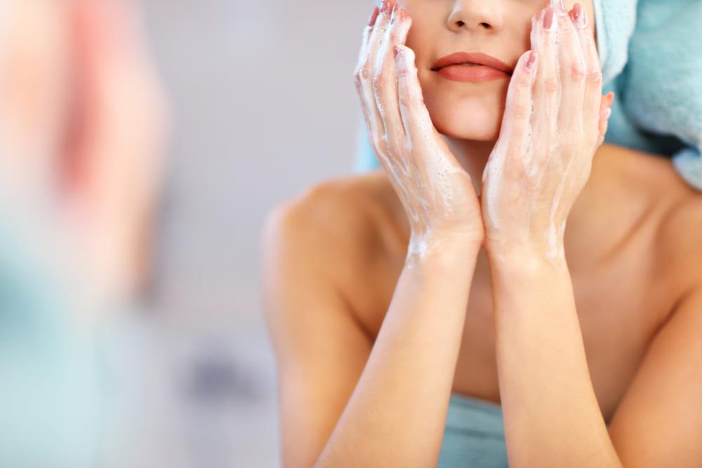 Neurodermitis Reinigung der Haut Gesicht waschen