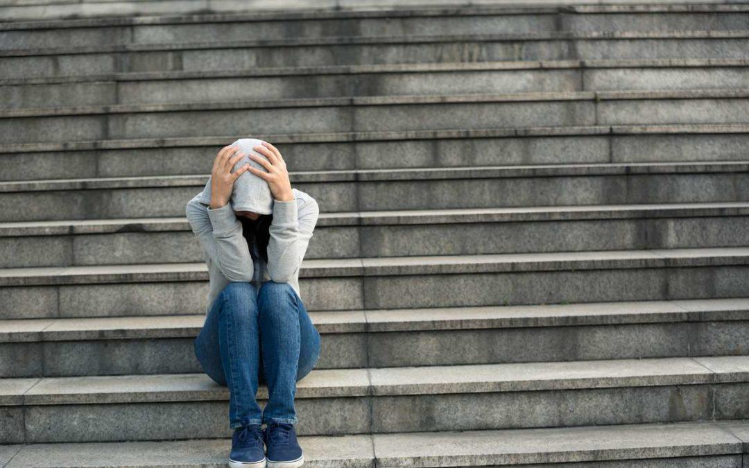 Wie Neurodermitis Lebensqualität einschränkt: Sichtbare Symptome, psychische Belastung und die Gesellschaft